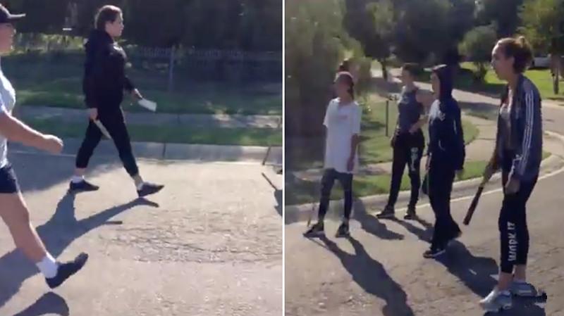 Các thiếu nữ cầm dao và gậy bóng chày gặp nhau sau giờ học tại Jiniwin Place, Ambarvale, gần Campbelltown