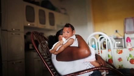 Zika đang lây lan chóng mặt ở châu Mỹ và được cho là gây teo não dẫn tới chứng đầu nhỏ ở trẻ sơ sinh. Ảnh: Getty Images