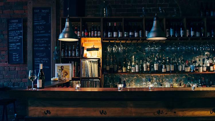 1 4 - 9 nhà hàng nổi tiếng nhất để thưởng thức phô mai và rượu ở Melbourne