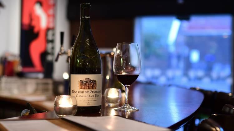 5 1 - 9 nhà hàng nổi tiếng nhất để thưởng thức phô mai và rượu ở Melbourne