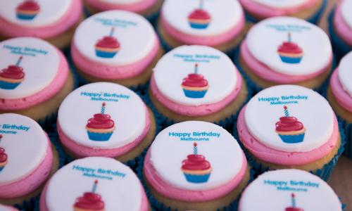 Bánh cupcakes miễn phí