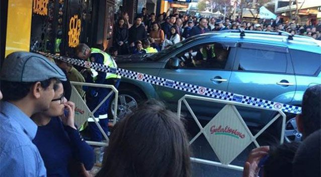 Chiếc xe đã đâm thẳng vào một nhà hàng Thái ở Bắc Sydney