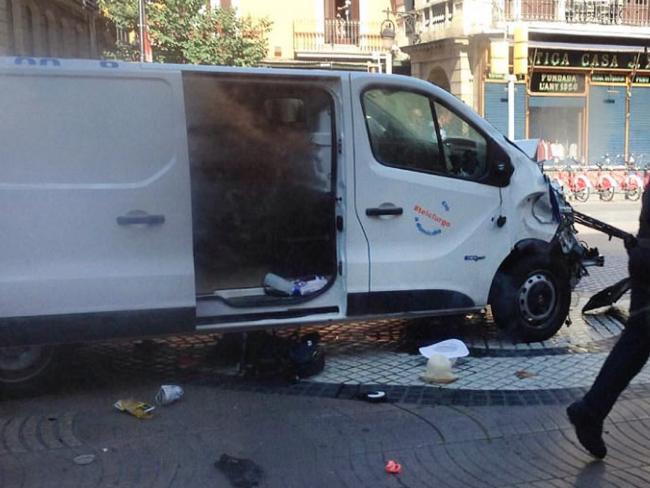 Chiếc xe van trong vụ khủng bố2