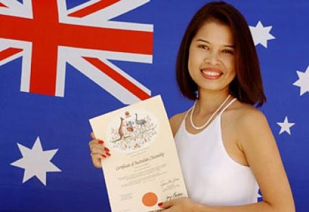 """Con đường đi du học định cư Úc - Luật di trú Úc bị lên án là đang """"chơi khăm"""" những người muốn định cư tại đây"""