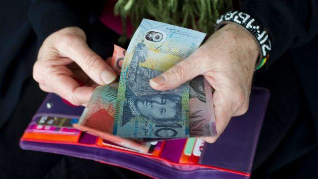 1505361456357 - Thu nhập của người Úc nhiều hơn một thập kỷ trước, nhưng nhiều hộ vướng nợ lại tăng gấp đôi