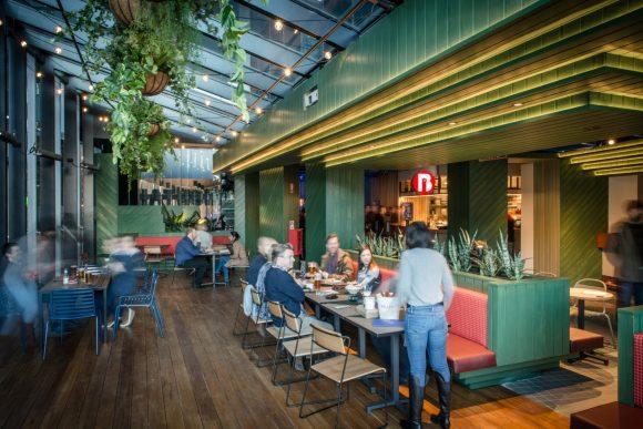Hightail 20170721 DSC 0433 Large 580x387 - 5 quán bar mới mở tại Melbourne bạn không nên bỏ qua
