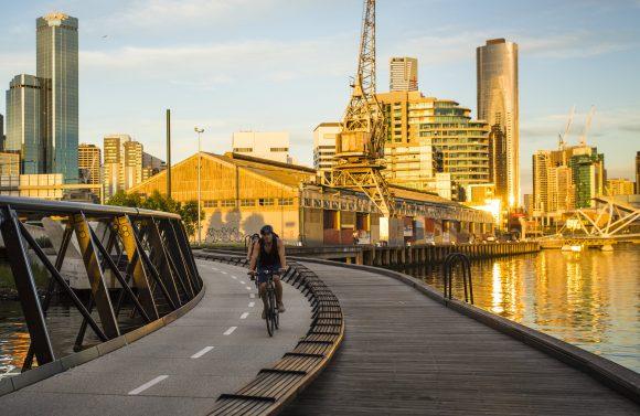 bike sunset cropped 2 580x377 - Tổng hợp những sự kiện miễn phí tại Melbourne tháng 10 này