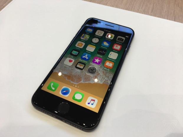 iphone x va iphone 8 chinh thuc ra mat co dat hang ngay thang 9 12 - Chiêm ngưỡng cận cảnh Iphone X và Iphone 8 mới được ra mắt