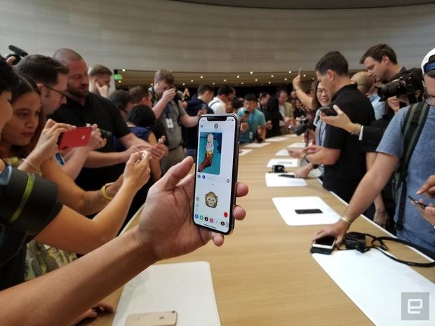 iphone x va iphone 8 chinh thuc ra mat co dat hang ngay thang 9 2 - Chiêm ngưỡng cận cảnh Iphone X và Iphone 8 mới được ra mắt