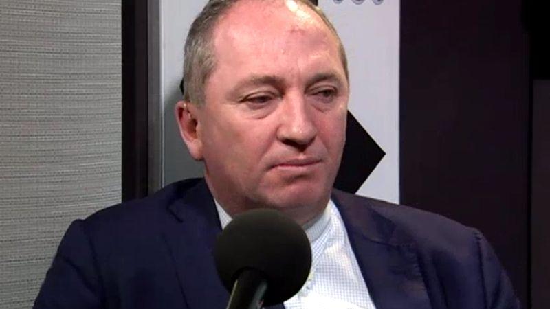 """Barnaby Joyce - Nội các Úc """"cùng đưa nhau ra tòa"""" về vấn đề sử dụng 2 quốc tịch"""
