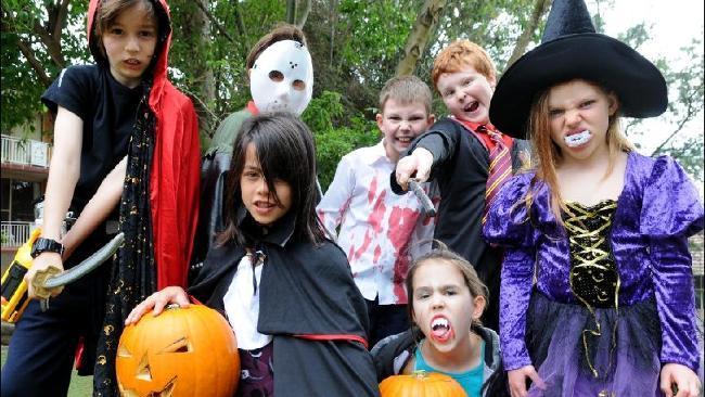 Halloween - Trang phục Halloween cực ngầu chỉ với $2 ở Sydney