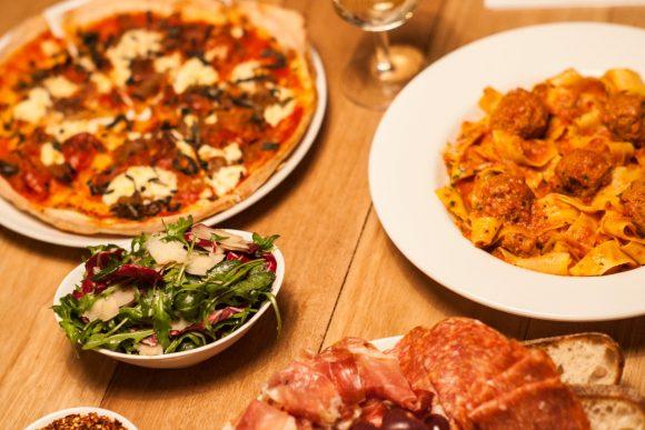 yH5BAEAAAAALAAAAAABAAEAAAIBRAA7 - 10 cửa hàng Pizza ngon nhất tại Melbourne nhất định phải thử