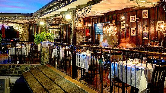 firefly mustique - 10 nhà hàng tuyệt nhất cho cặp tình nhân hẹn hò tại Sydney