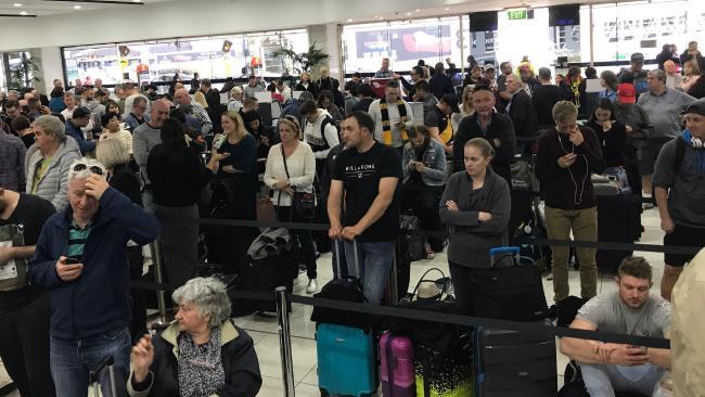 loi thong cua virgin airlines lam san bay hon loan 1 - Lỗi hệ thống của Virgin Airlines làm sân bay hỗn loạn