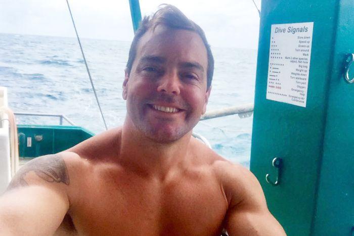 mot nguoi dan ong song sot sau vu tau lat o queensland 1 - Một người đàn ông sống sót sau vụ tàu lật ở Queensland