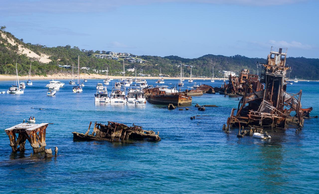 the wrecks moreton island 1 - 10 bãi biển cắm trại tốt nhất tại Queensland cho mùa xuân này