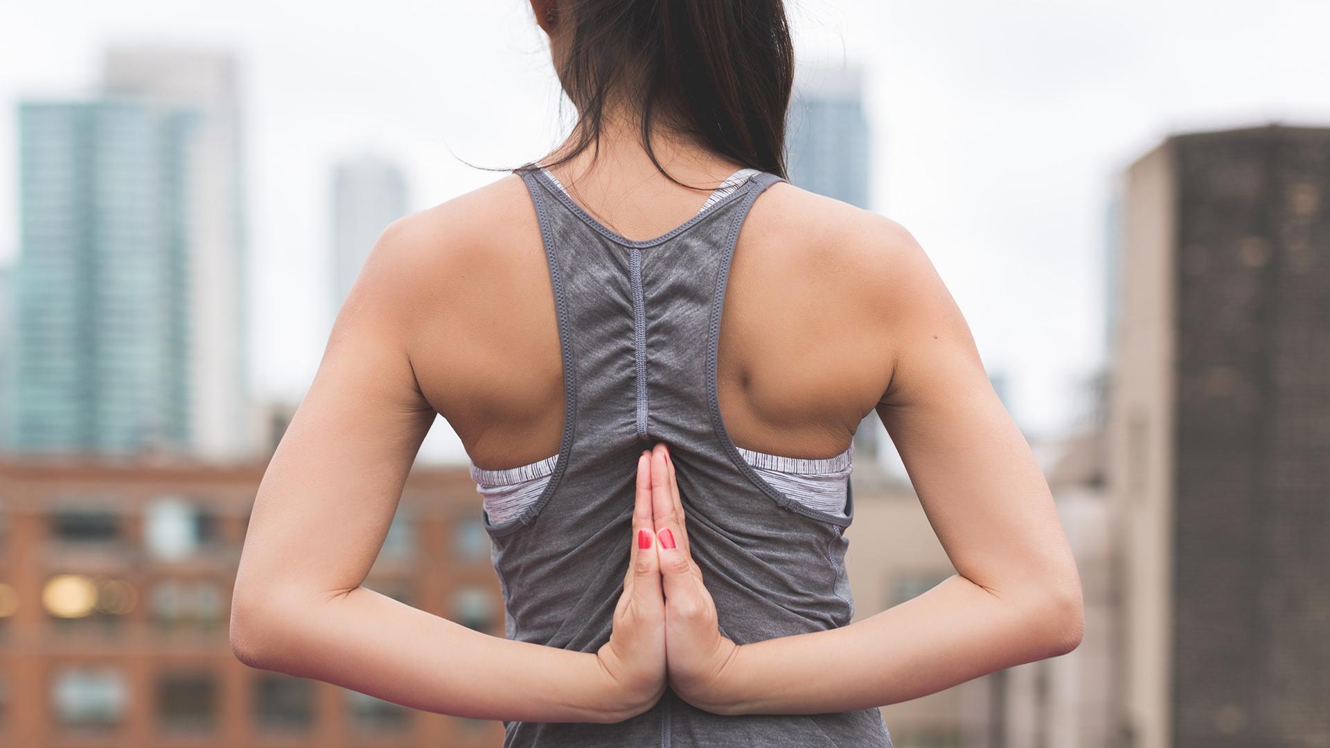 """yoga pexels - Những điều thú vị bạn có thể thử cùng """"đồng đội"""" sau những giờ làm việc"""