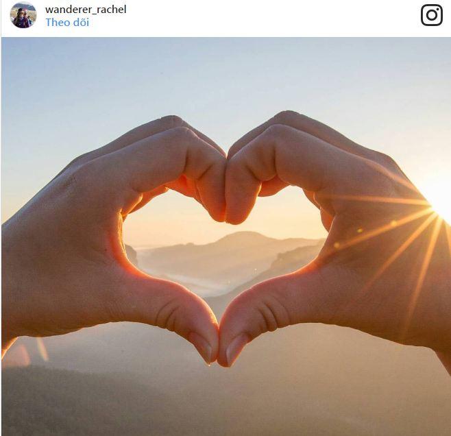 Đôi tay tạo hình trái tim