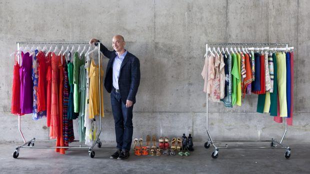 Jeff Bezos đã tham gia vào cuộc đua thời trang