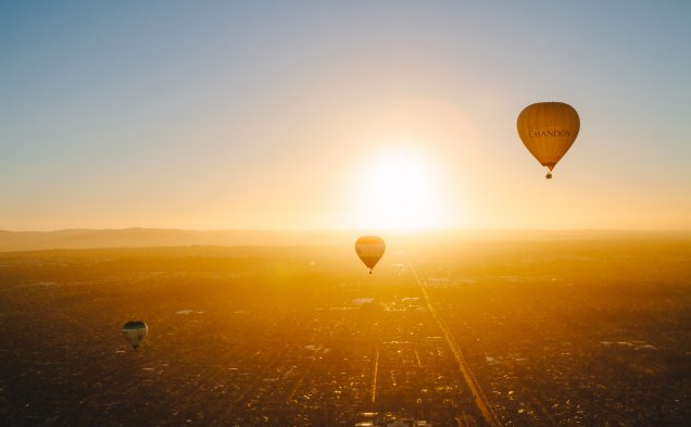 global-ballooning-sunrise
