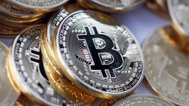 1512676653386 - Trở thành tỷ phú nhờ sự BÙNG NỔ Bitcoin