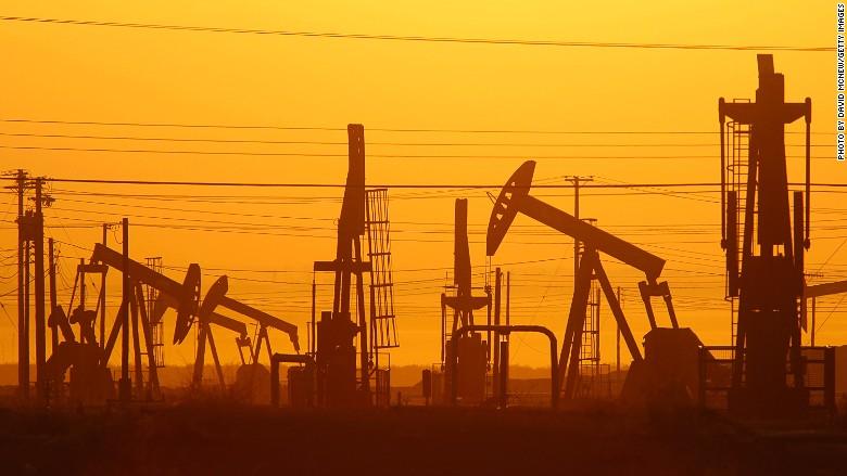 160324104559 fracking oil drill 780x439 - Úc sẽ trở thành quốc gia có nền kinh tế lớn thứ 11 trên thế giới?