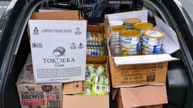 """yH5BAEAAAAALAAAAAABAAEAAAIBRAA7 - Bắt giữ tổ chức """"buôn lậu"""" sữa trẻ em và thực phẩm chức năng chemist ở Melbourne"""