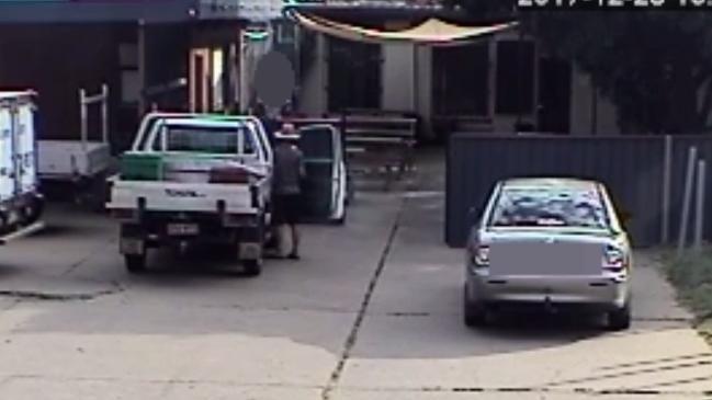 2c0aadce9da9f7cd24bb1688c222c6e0 - Chỉ quay đi 30s, mẹ Úc suýt mất con 8 tuổi vào tay kẻ bắt cóc tại Queensland