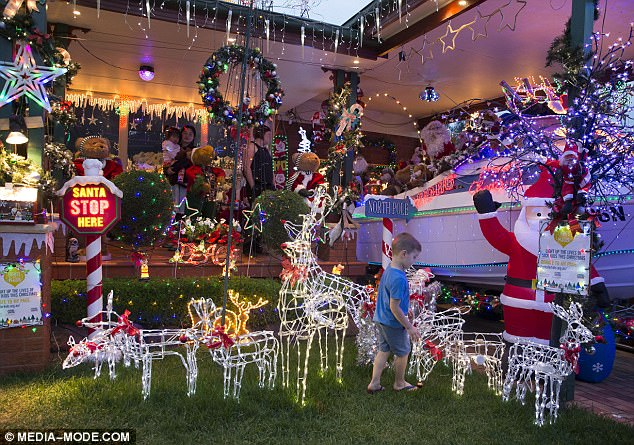 yH5BAEAAAAALAAAAAABAAEAAAIBRAA7 - Những ngôi nhà trang trí ĐỘC ĐÁO đón Giáng Sinh trên khắp Sydney