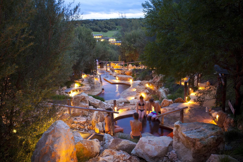 Peninsula Hot Springs - 6 địa điểm tắm suối nước nóng tuyệt vời nhất nước Úc