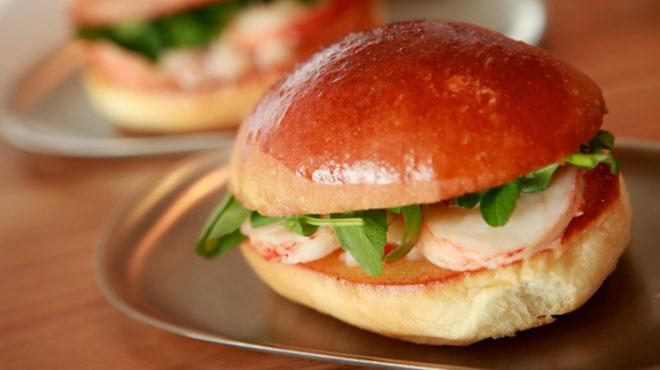 Sandwich tôm hùm Mỹ - Bánh mì Vietnam xếp thứ 2 trong top 10 món sandwich ngon nhất thế giới