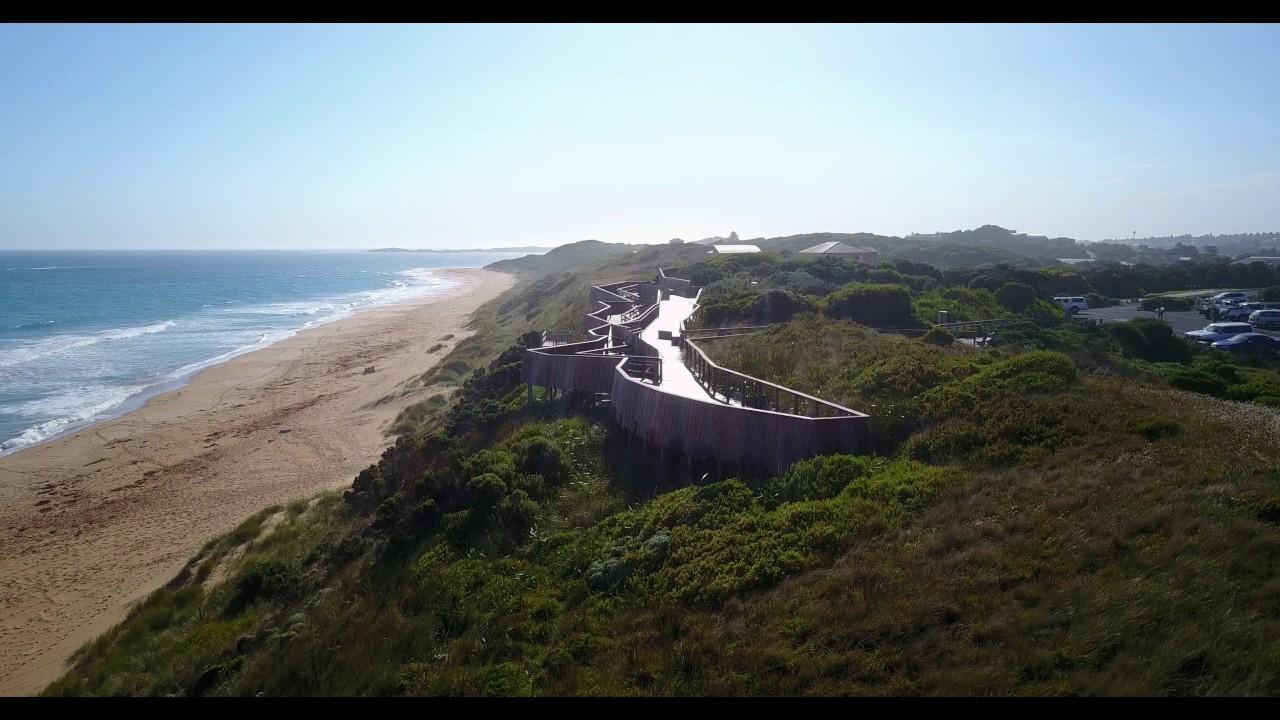 """Whale Watching Platform Logans Beach Victoria - Top 5 địa danh """"bí ẩn"""" ở Victoria bạn cần check-in ngay"""