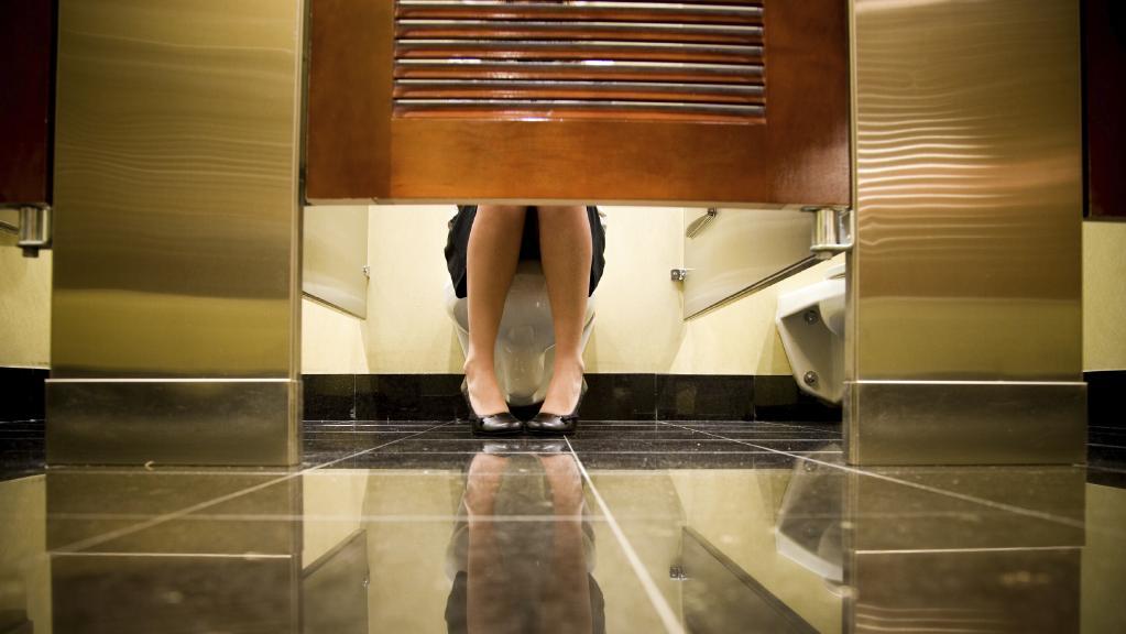 ggft - Sydney: Thanh niên bị bắt vì lén quay phim các cô gái ở nhà vệ sinh công cộng