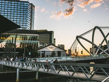 yH5BAEAAAAALAAAAAABAAEAAAIBRAA7 - 5 địa điểm đón giao thừa và ngắm phóa hoa năm mới thú vị nhất tại Melbourne