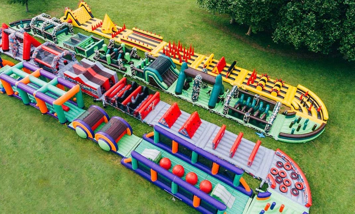 the-beast-inflatable-obstacle-course