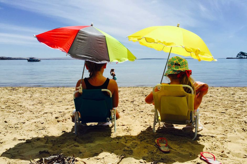 7018832 3x2 940x627 - Cảnh báo NGUY HIỂM khi để trẻ nhỏ trong xe oto mùa hè ở Úc