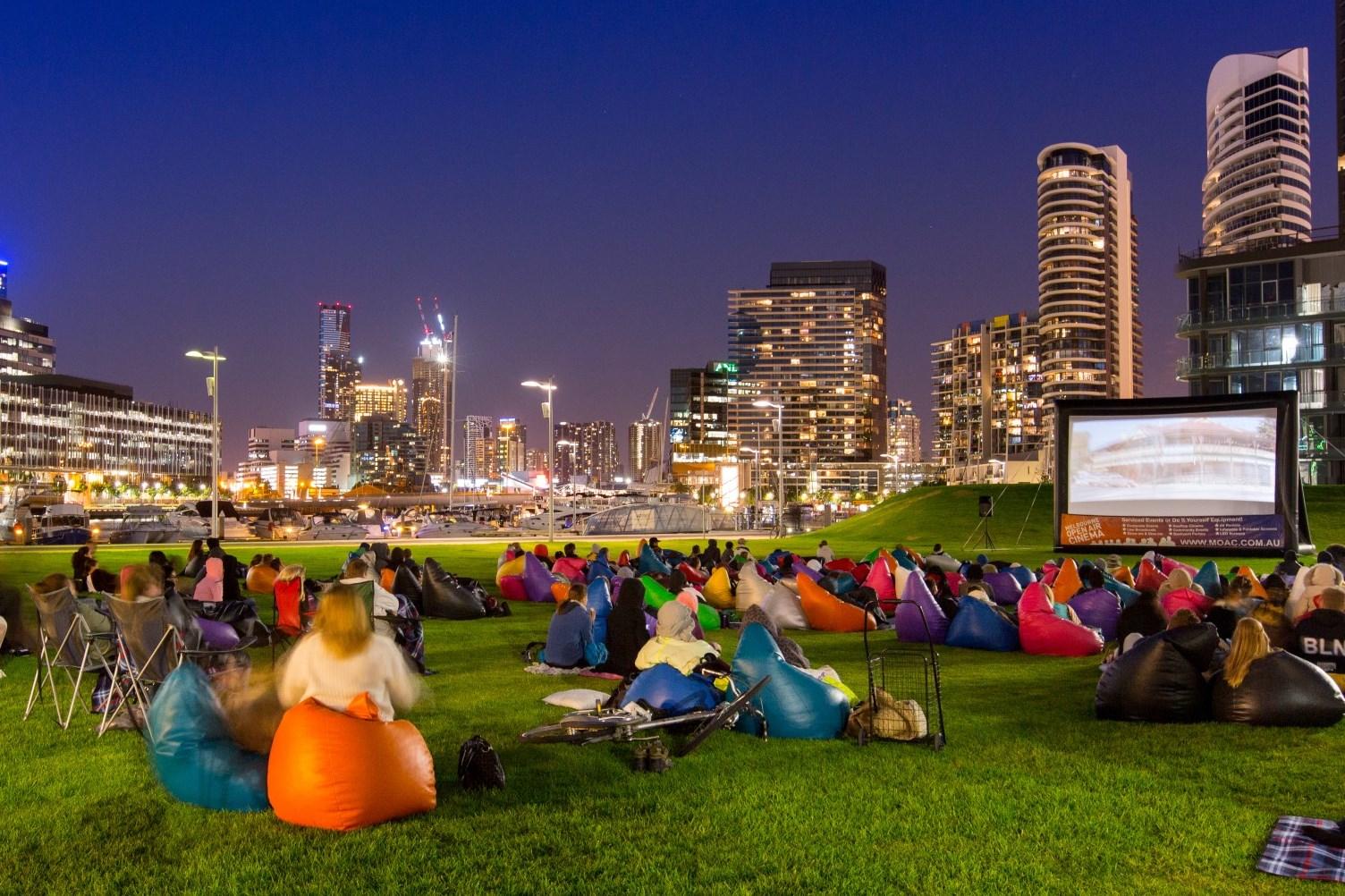"Buluk Park in Docklands for a free Friday night film - 8 trải nghiệm ""nóng bỏng"" nhất Melbourne mùa hè này"