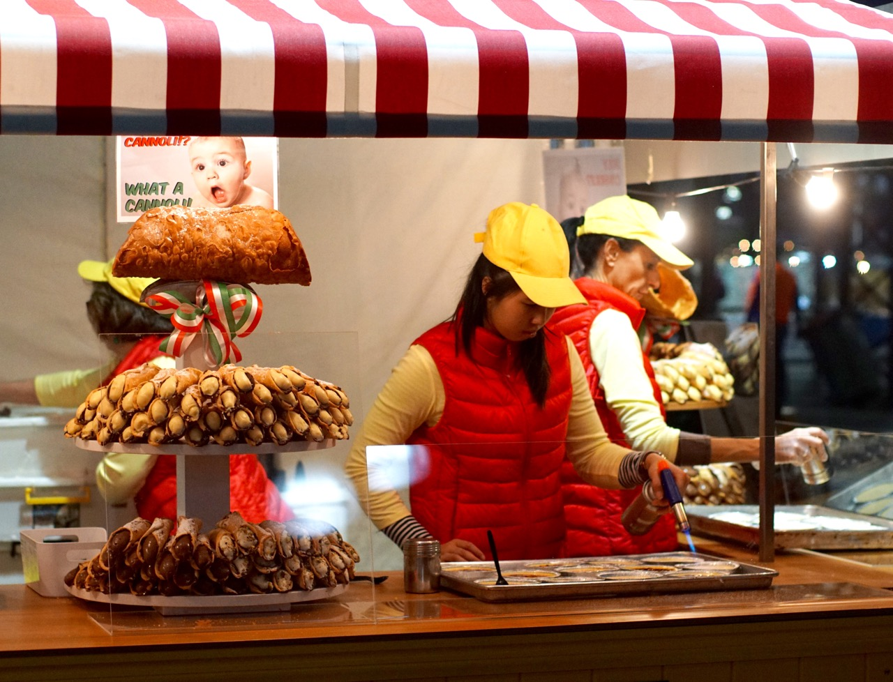 """Queen Victoria Night Markets - 8 trải nghiệm """"nóng bỏng"""" nhất Melbourne mùa hè này"""