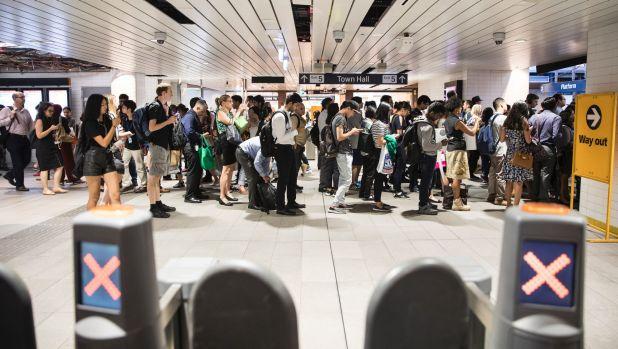 Tài xế lái tàu ở Sydney muốn biểu tình vì bị trả lương quá thấp 1 - Tài xế lái tàu ở Sydney muốn biểu tình vì bị trả lương quá thấp