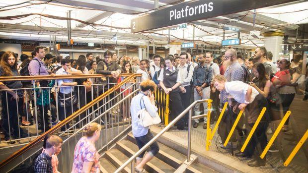 Tài xế lái tàu ở Sydney muốn biểu tình vì bị trả lương quá thấp 2 - Tài xế lái tàu ở Sydney muốn biểu tình vì bị trả lương quá thấp