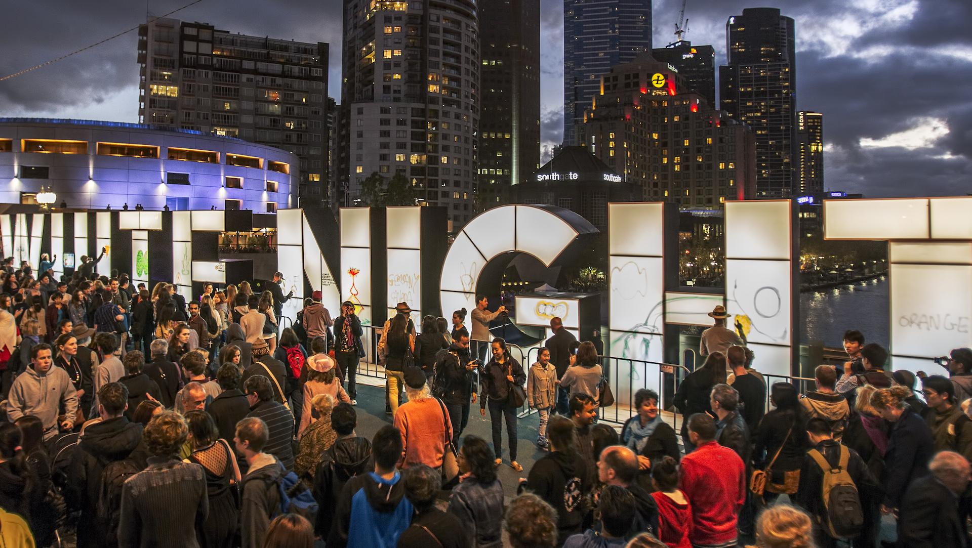 """White Night - 8 trải nghiệm """"nóng bỏng"""" nhất Melbourne mùa hè này"""