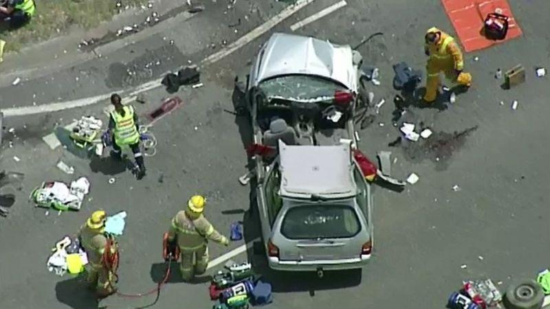 http 2F2Fprod.static9.net .au2F 2Fmedia2F20182F012F102F152F092Fcrash2 - Tai nạn thảm khốc trên đường highway tại Melbourne
