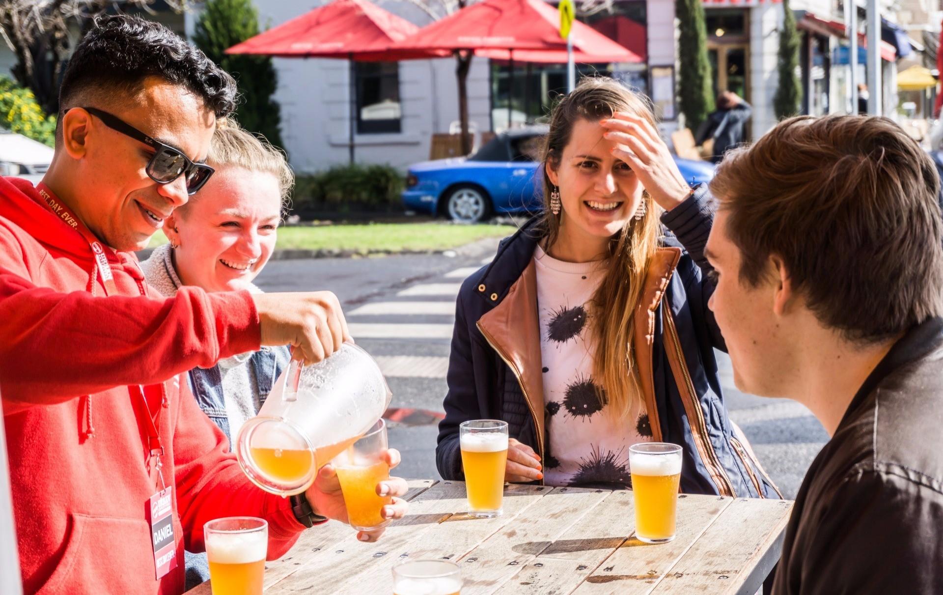 Drinking walking tours melbourne1 - Các tour đi bộ kết hợp nhâm nhi rượu tuyệt nhất Melbourne