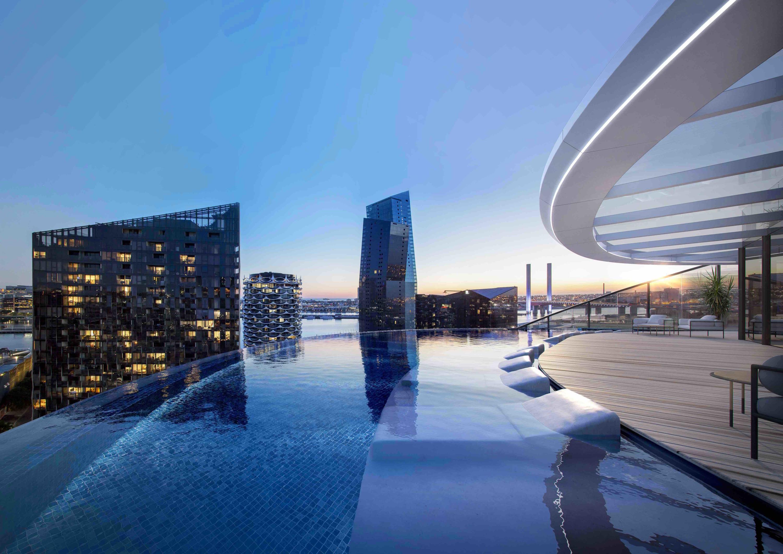"""infinity pool marriott docklands - Docklands: Sắp xuất hiện một bể bơi vô cực """"trên không"""""""