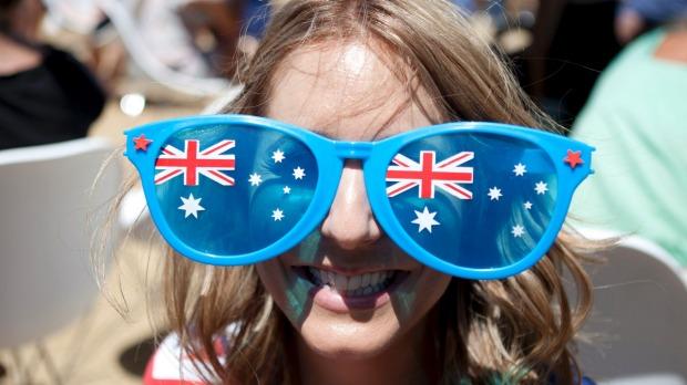 yH5BAEAAAAALAAAAAABAAEAAAIBRAA7 - Dân nhập cư vào Úc nằm trong TOP những quốc gia hạnh phúc nhất thế giới