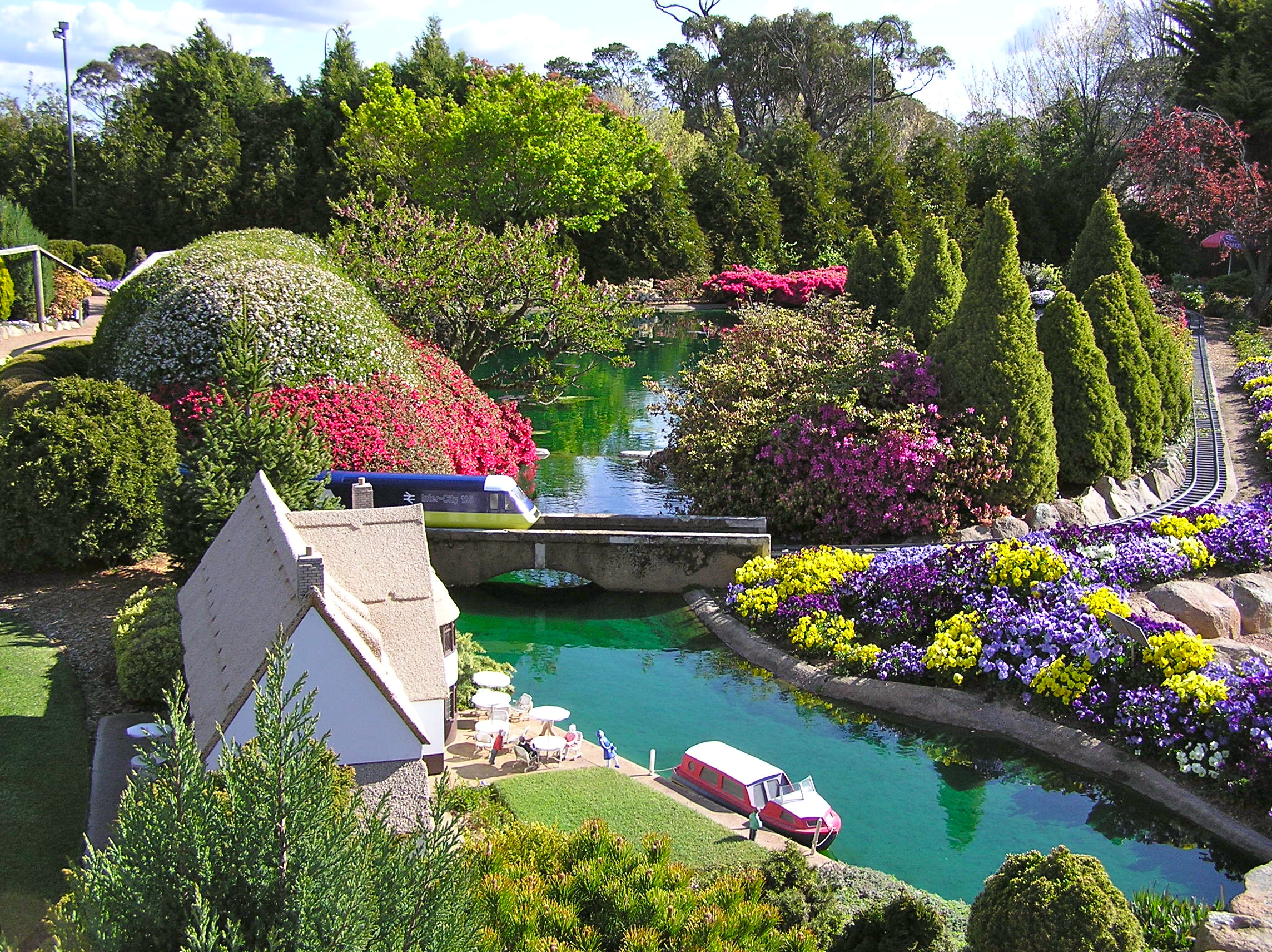 Cockington-Green-Gardens-Canberra-Australia