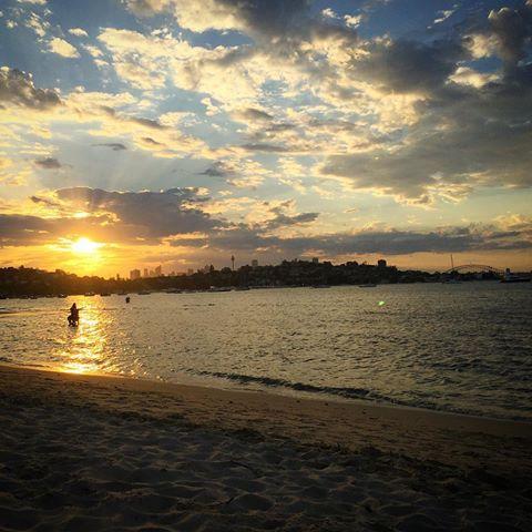 yH5BAEAAAAALAAAAAABAAEAAAIBRAA7 - 6 bãi biển vô cùng hấp dẫn vào ban đêm ở Sydney