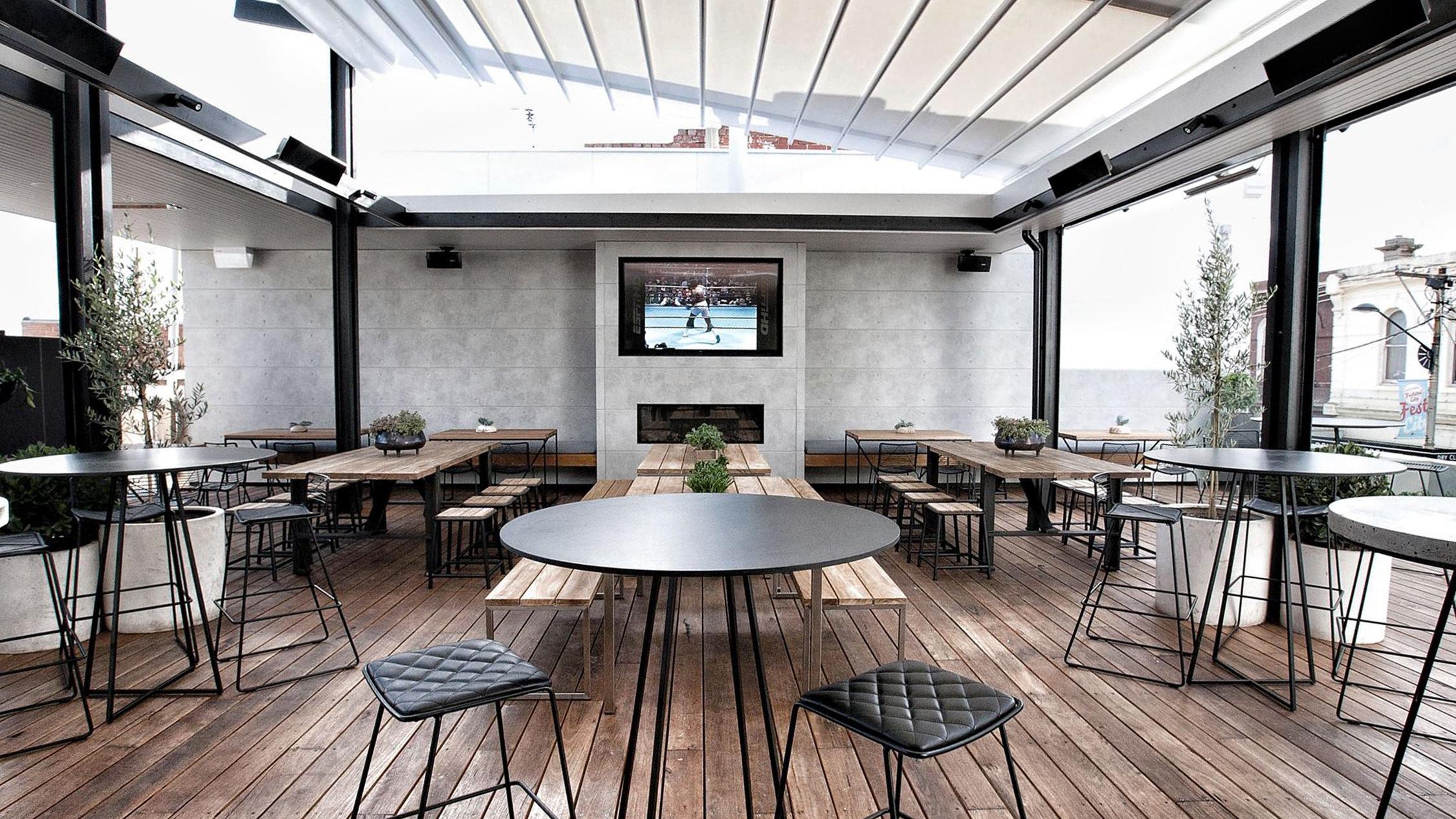 The Railway Hotel melbourne rooftop bar1 - Một quán bar tầng thượng cực xinh xắn vừa xuất hiện ở Tây Melbourne