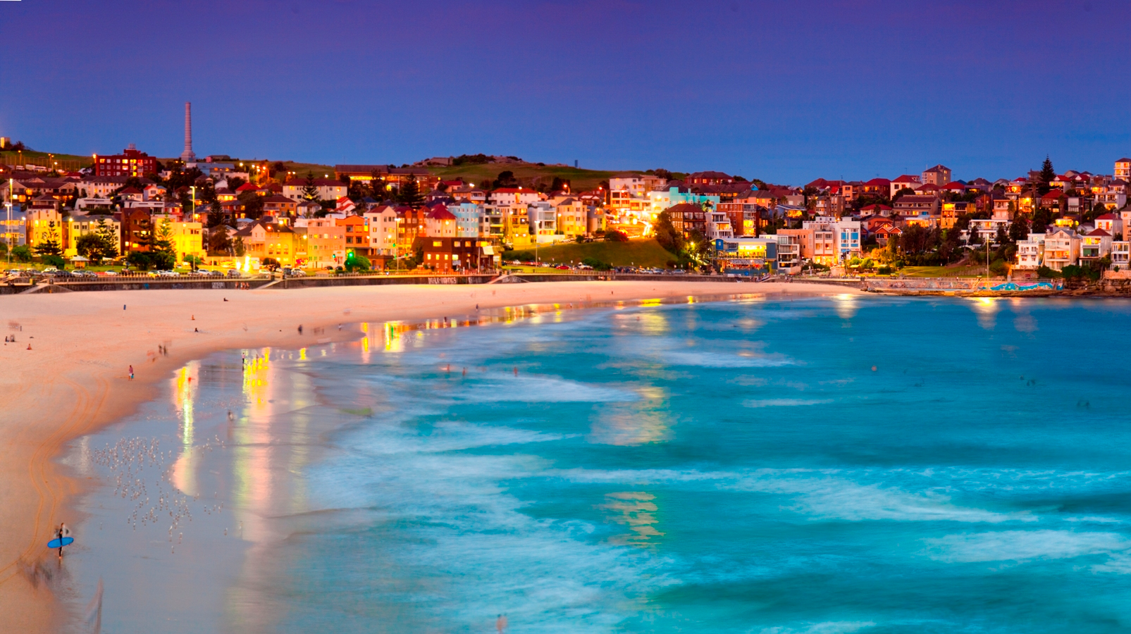 great beaches to visit at night in Sydney