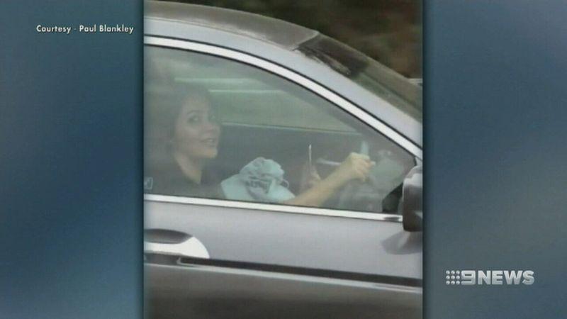 http 2F2Fprod.static9.net .au2F 2Fmedia2F20182F032F272F212F262FFACETIME2 - Video: Cô gái vừa lái xe với vận tốc 100km/h, vừa facetime trên đường cao tốc
